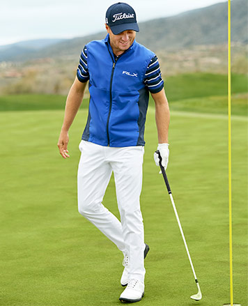Billy Horschel in light pink golf pants