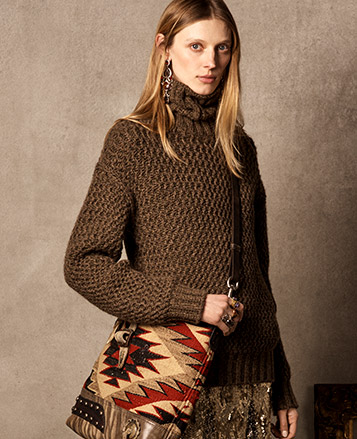 Woman in green-brown knit turtleneck