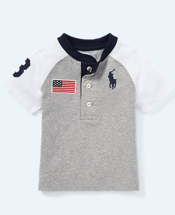 Grey T-shirt with American flag patch and signature embroidered Big Pony at chest.