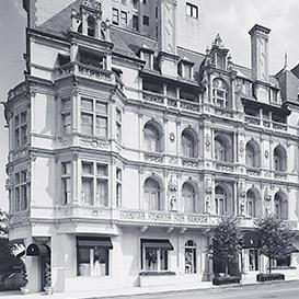 Black & white image of Rhinelander mansion