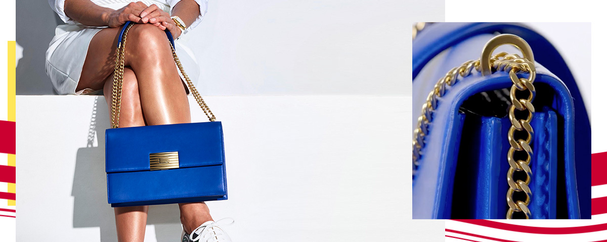 Close-up images of blue leather shoulder bag with chain strap