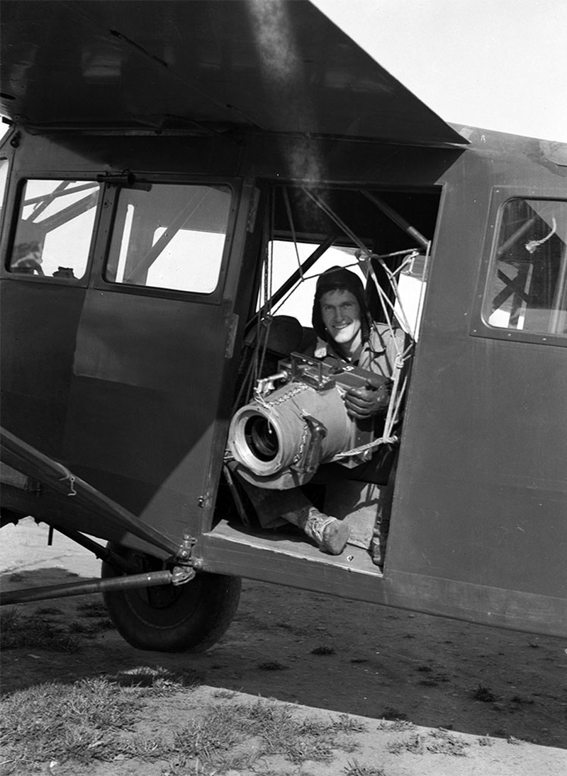 Bradford Washburn with his Fairchild K-6 camera in Valdez, Alaska (1937)