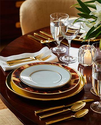 Tortoiseshell-accented & golden dinnerware