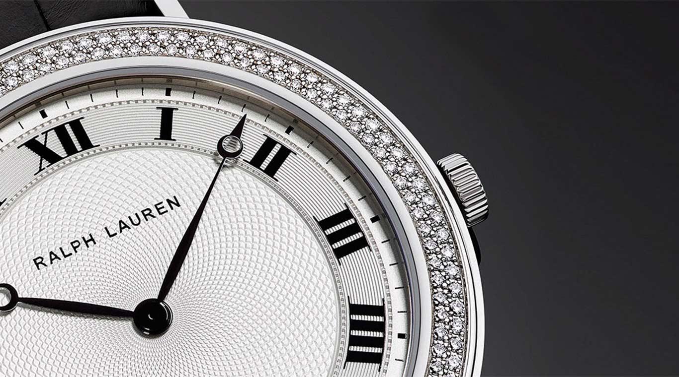 Double row of diamonds set in Slim Classique bezel