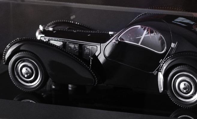 Black model car