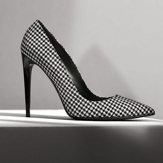 Black & cream houndstooth pump with stiletto heel & pointed toe