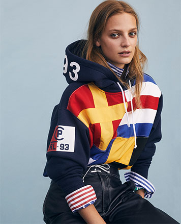 Color-blocked sweatshirt with large nautical-flag graphics