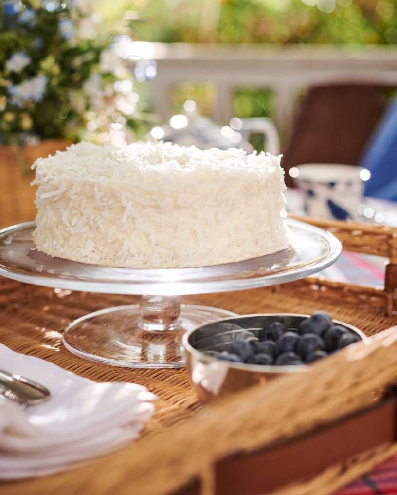 Glass pedestal cake stand